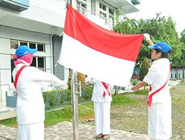 STIKes Mitra Husada Medan Melakukan Upacara Pengibaran Bendera Merah Putih Dalam Rangka Memperingati HUT Republik Indonesia Ke 74