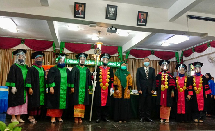 Wisuda Lulusan Prodi Kebidanan Program Sarjana Angkatan III STIKes Mitra Husada Medan Sesi 1