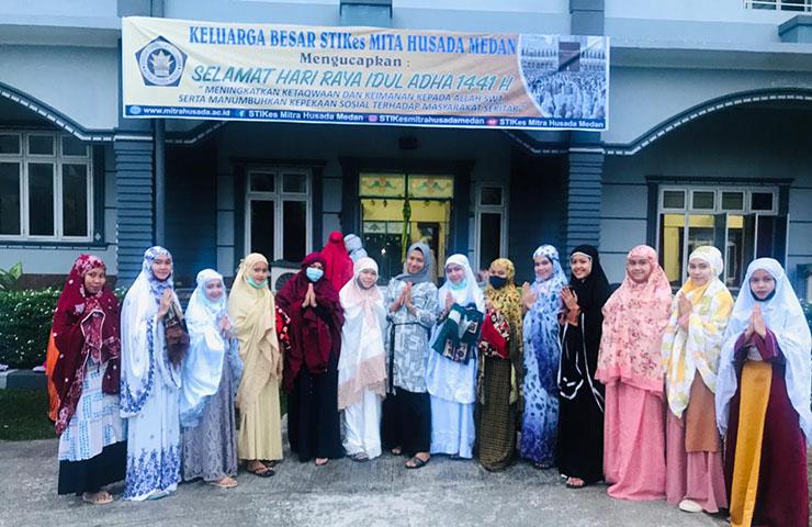 Peringatan Hari Raya Idul Adha 1441 H di STIKes Mitra Husada Medan