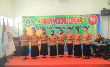 Penampilan Group Vocal Mahasiswa DIII Keperawatan dalam Rangka HUT PPNI