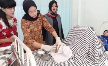 Role Play Preseptor Mentor oleh ibu Jehanara, SST, M.Keb di Lab. ANC STIKes Mitra Husada Medan